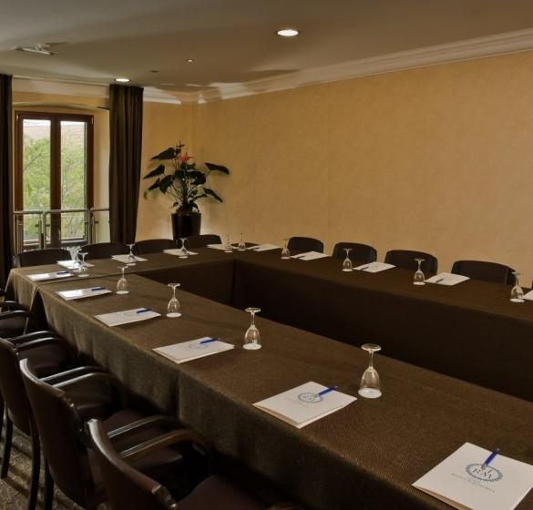 Villanova Meeting Room - Module 1